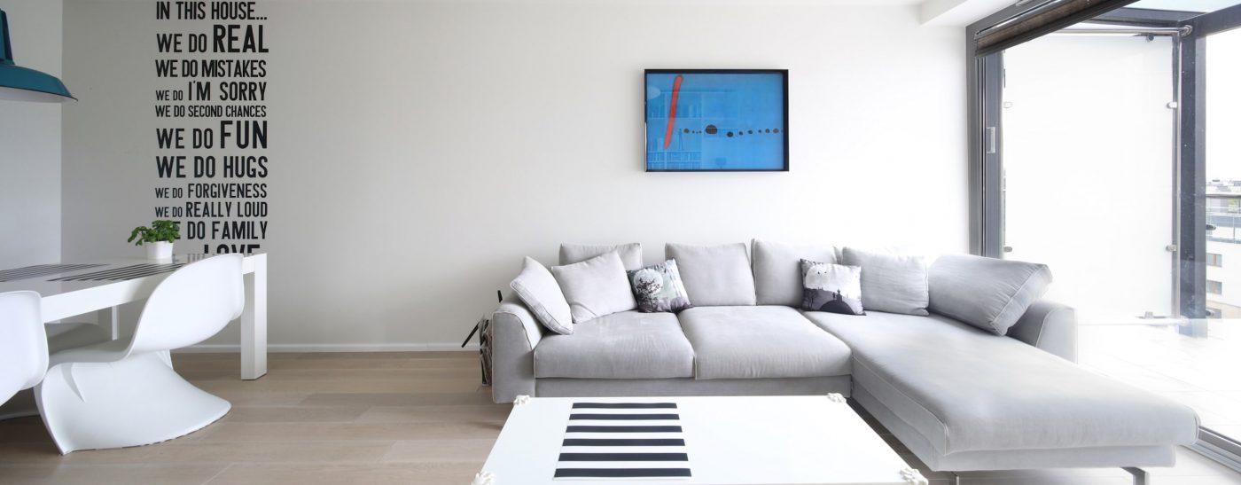 WT apartment white minimal  8  1400x547 - Ghế sofa daluôn là bộ sofa đẳng cấp và cực kỳ sang trọng